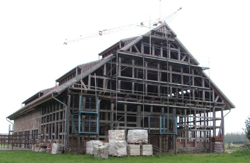 Standfeste ländliche Architektur  ..... 35717318yv