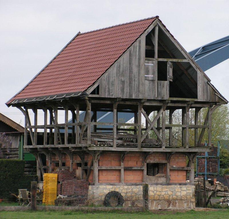 Standfeste ländliche Architektur  ..... 35717328yq