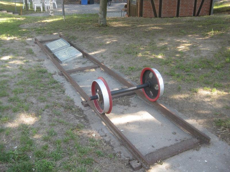 Feldbahn-Spielanlage auf LGB-Gleis 36032980kb