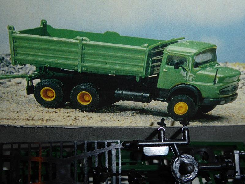 Primex H0 1688 LKW mit Tieflader und Walze Bausatz