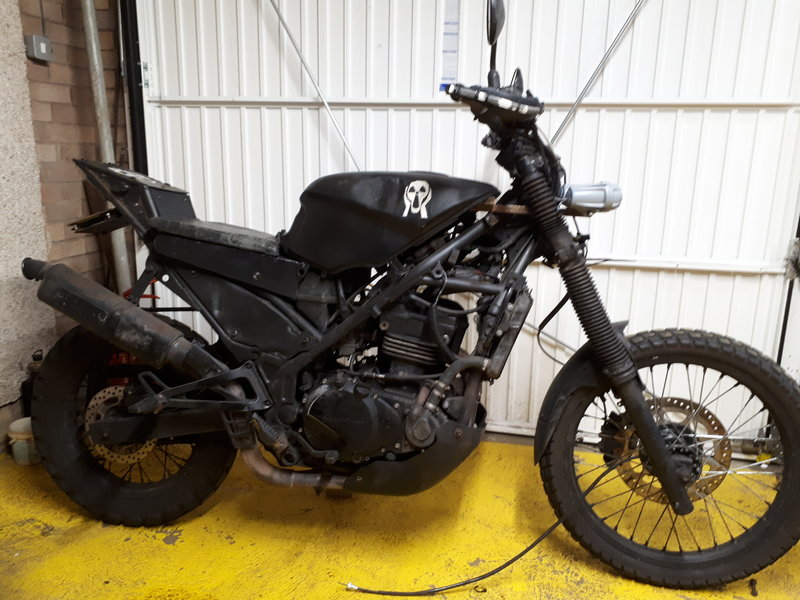 I'm re-styling the front end of my survival bike. Help me weigh up my options.... 38248462vm