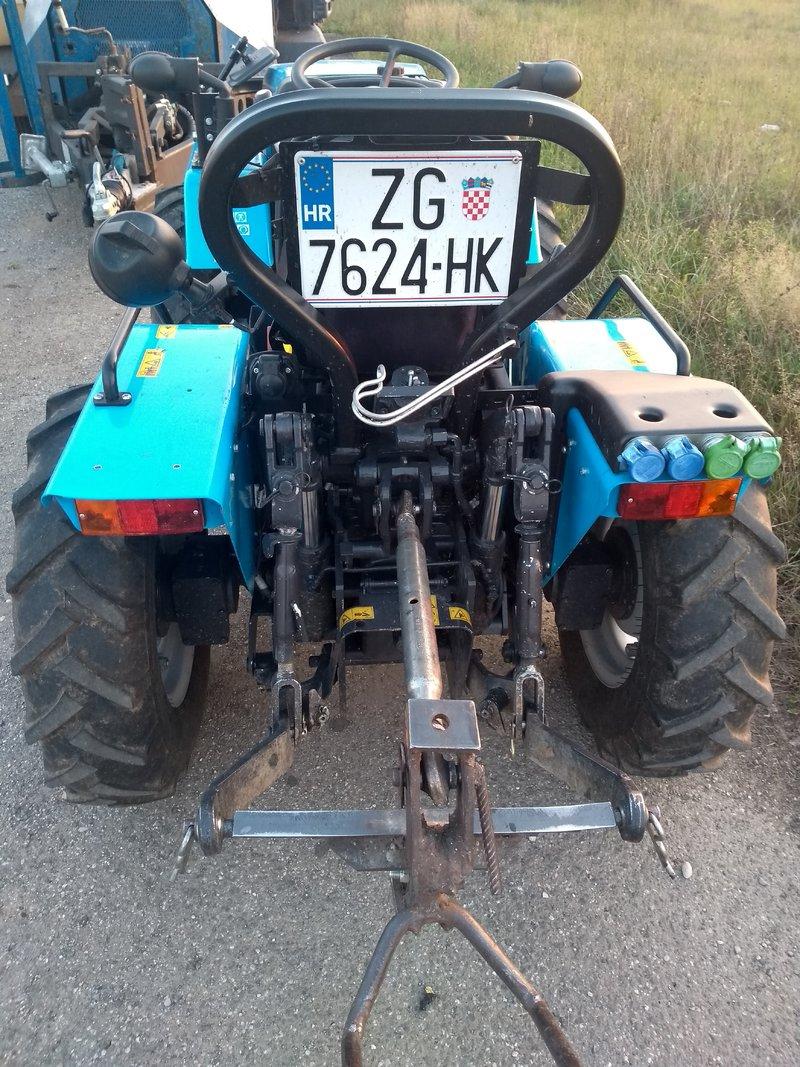 Traktori Landini opća tema - Page 2 39445663tb