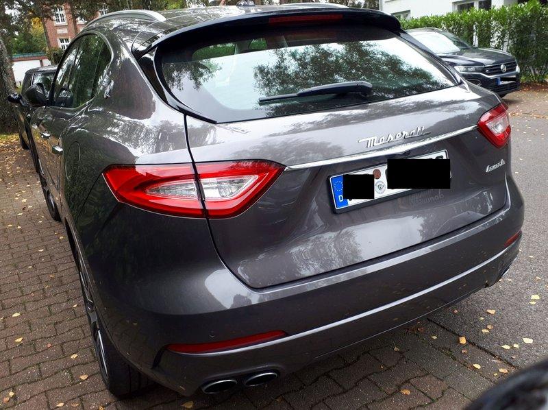 Sieht man auch nicht jeden Tag ... Maserati Levante 39644865ay
