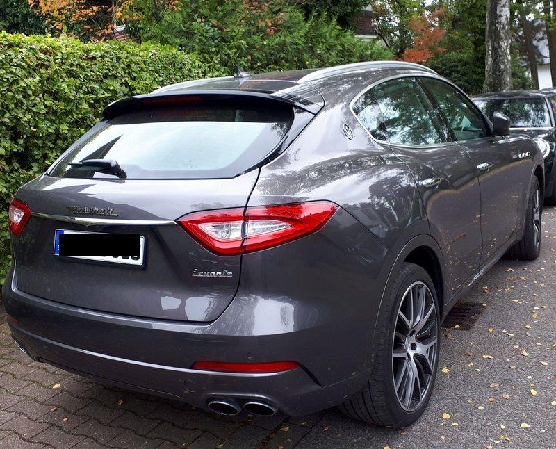 Sieht man auch nicht jeden Tag ... Maserati Levante 39644866tv