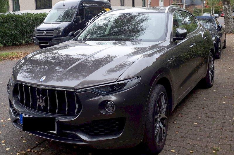 Sieht man auch nicht jeden Tag ... Maserati Levante 39644901gz