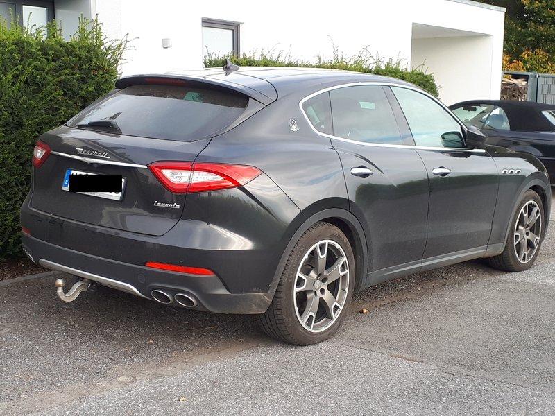 Sieht man auch nicht jeden Tag ... Maserati Levante 39657864op