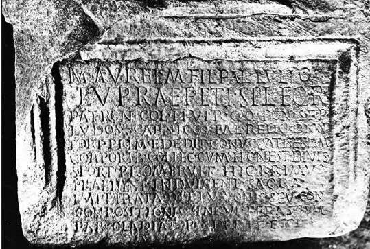 Übersetzungen alter Lateinischer Inschriften 40135447co