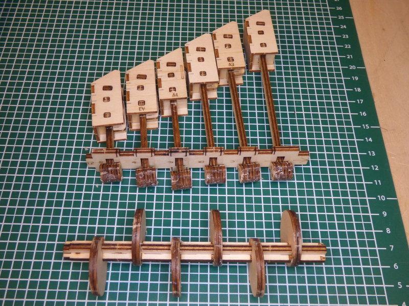 Holzkugelbahn von ROKR 40190296bm