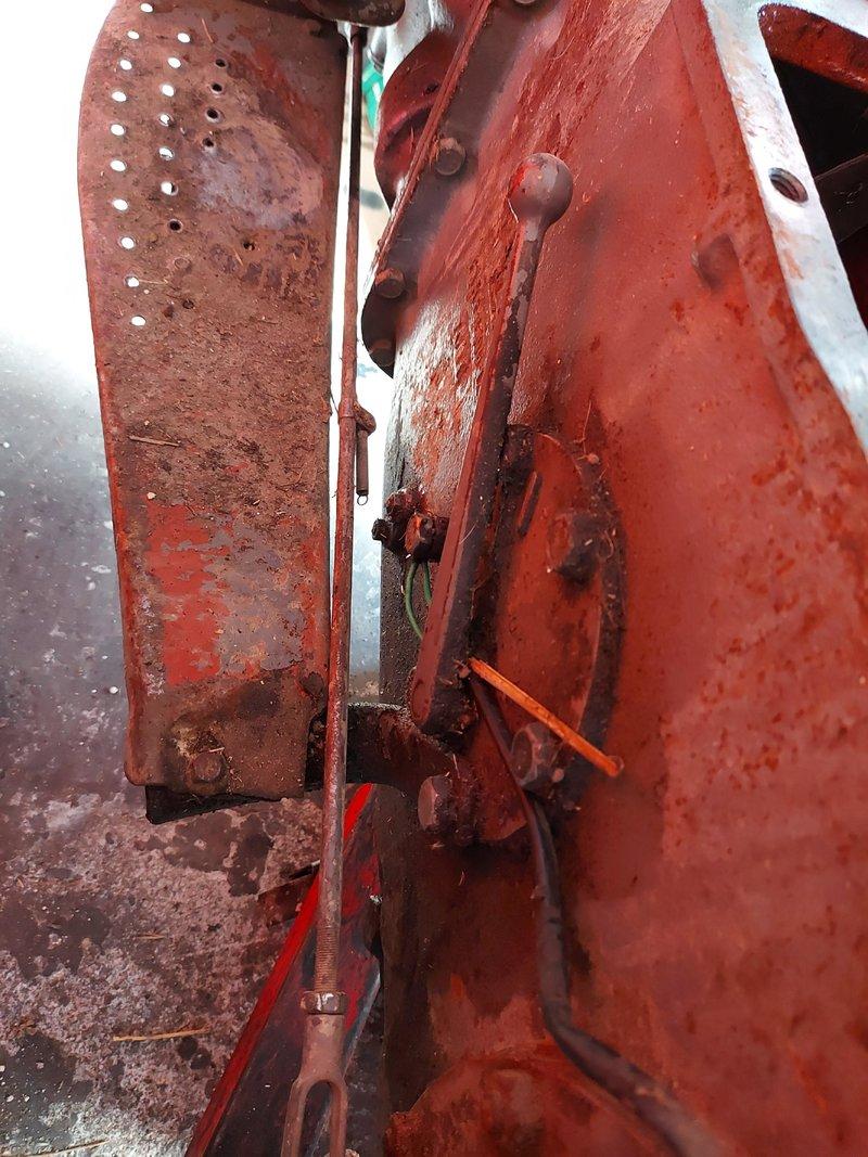 Traktor IMT 533  & 539 opća tema tema traktora - Page 2 40547698ek
