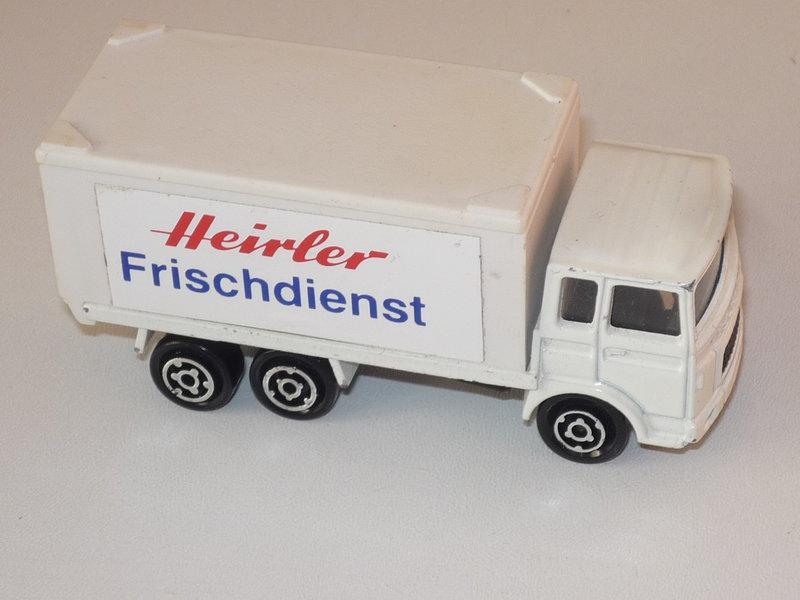 N°109 Saviem (Citerne, Container) 41051434yx