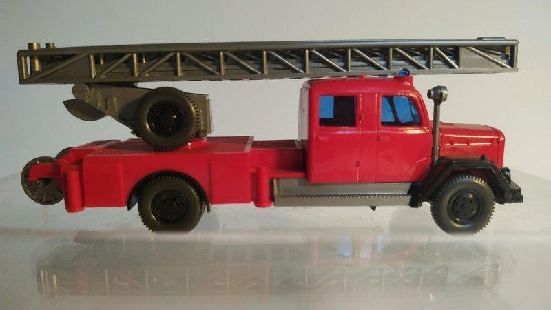 Wiking Feuerwehren - Seite 2 41581412vu