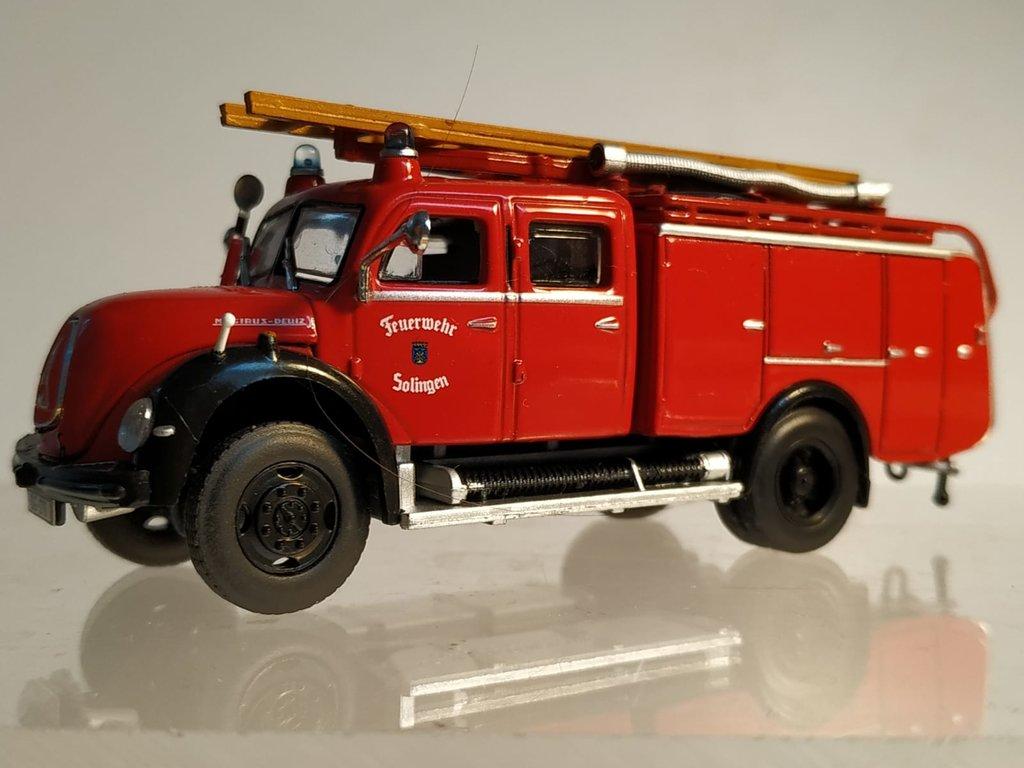 Feuerwehrmodelle aus der Atlas-Collection   41638864wq
