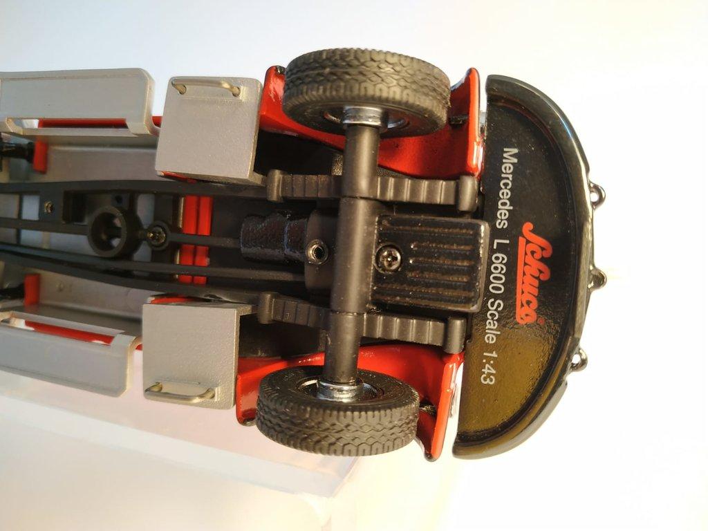 Feuerwehr Modelle der Firmen Schuco und Minichamps 41669143kk