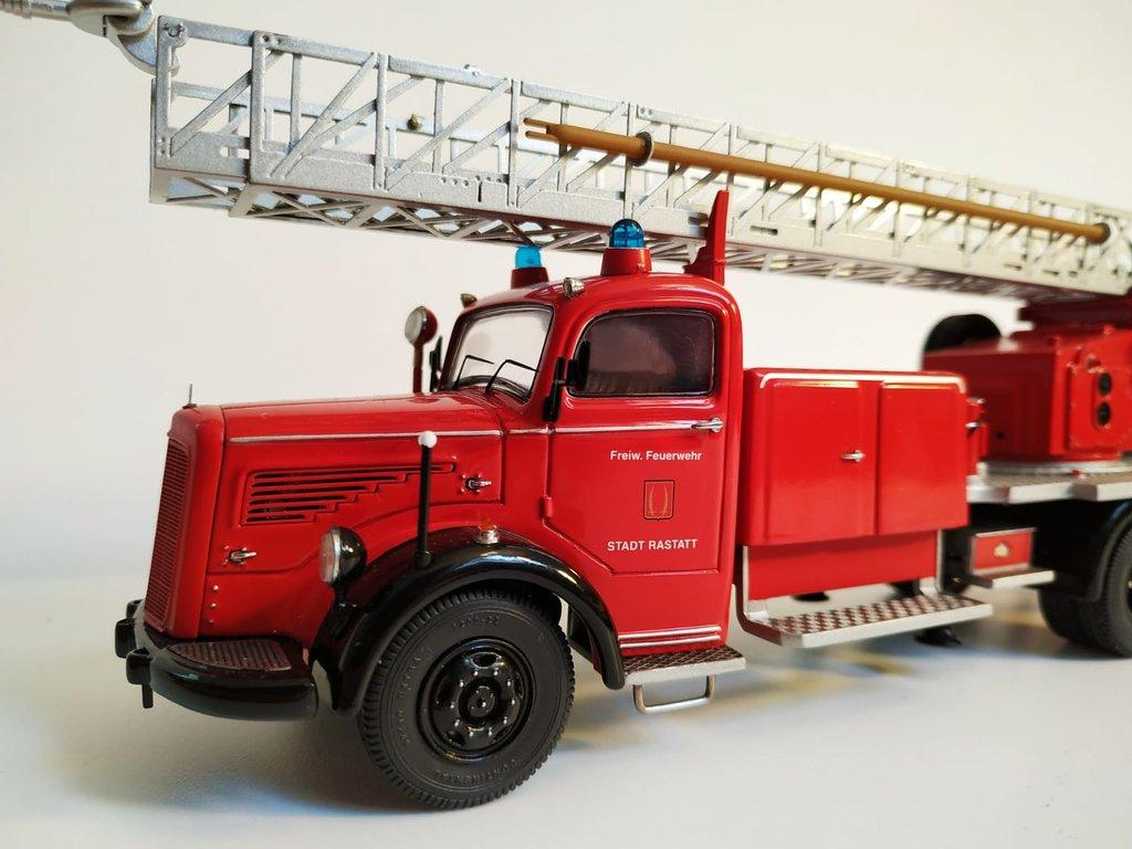 Feuerwehr Modelle der Firmen Schuco und Minichamps 41669144ua