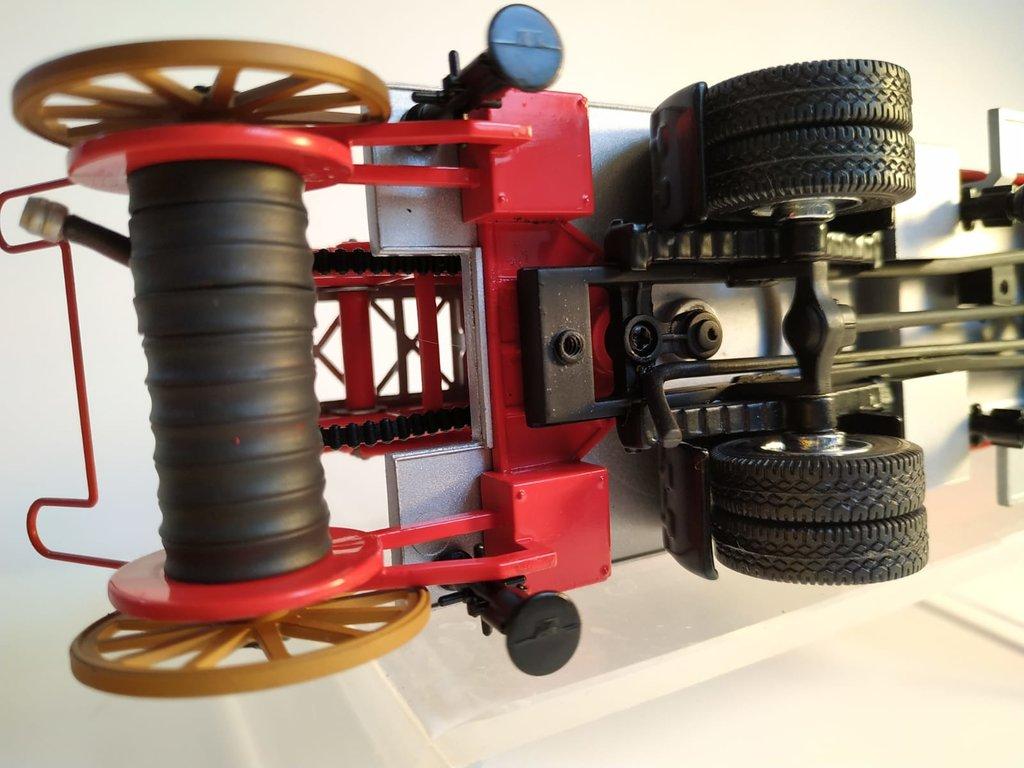 Feuerwehr Modelle der Firmen Schuco und Minichamps 41669148lv