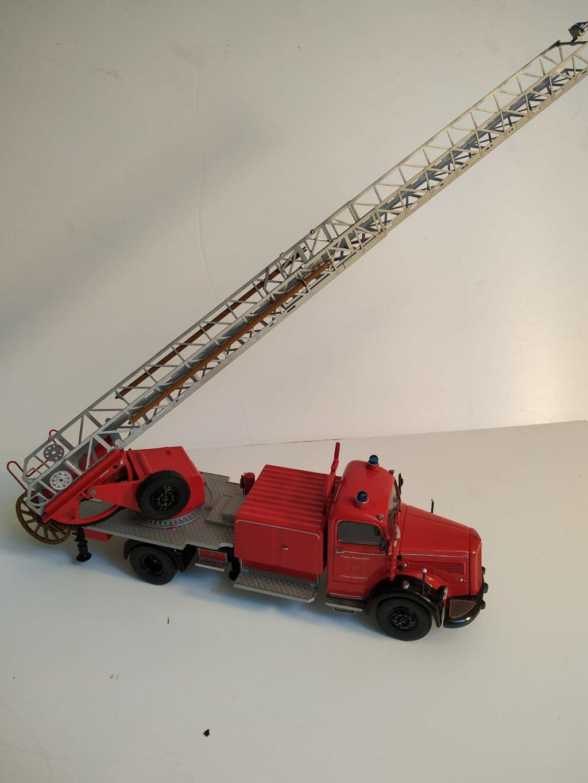 Feuerwehr Modelle der Firmen Schuco und Minichamps 41669149jy