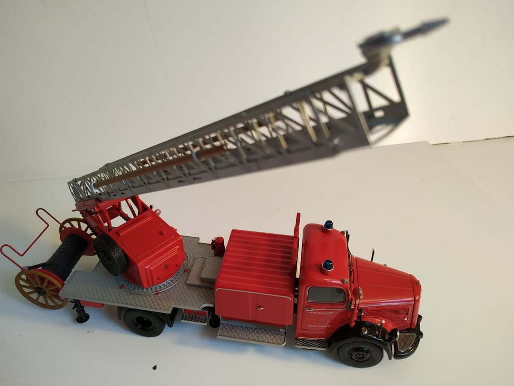 Feuerwehr Modelle der Firmen Schuco und Minichamps 41669151xw