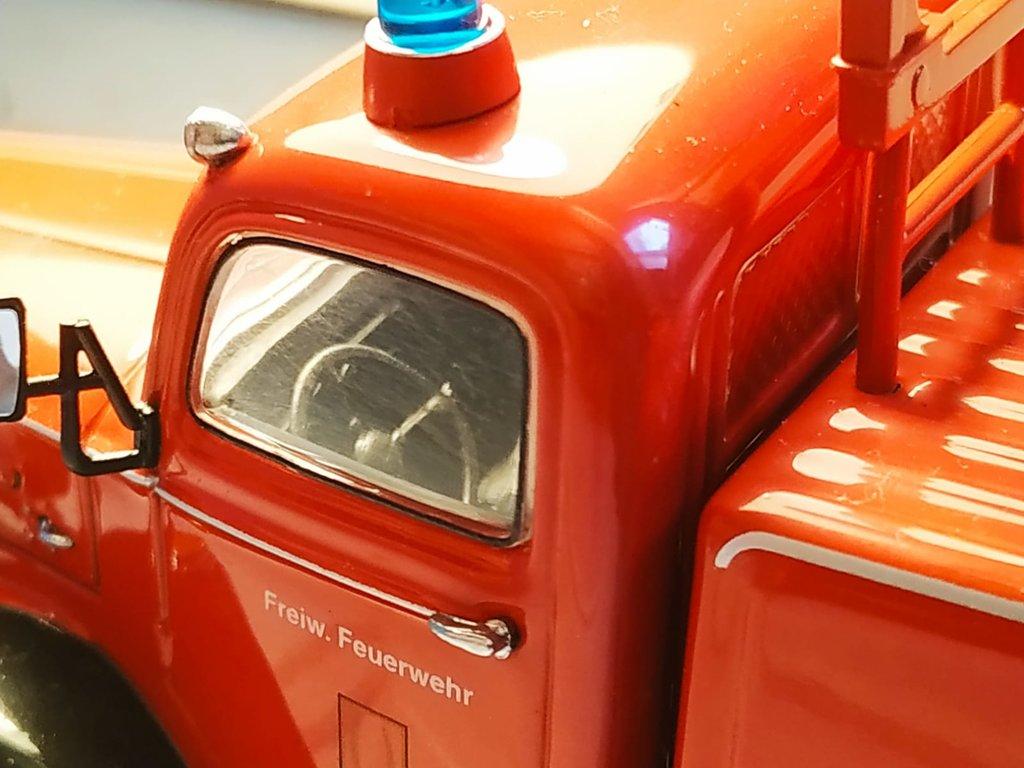 Feuerwehr Modelle der Firmen Schuco und Minichamps 41669328lt