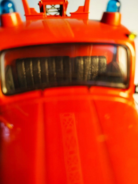 Feuerwehr Modelle der Firmen Schuco und Minichamps 41669330dg