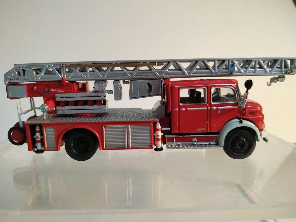 Feuerwehrmodelle aus der Atlas-Collection   41676166ri