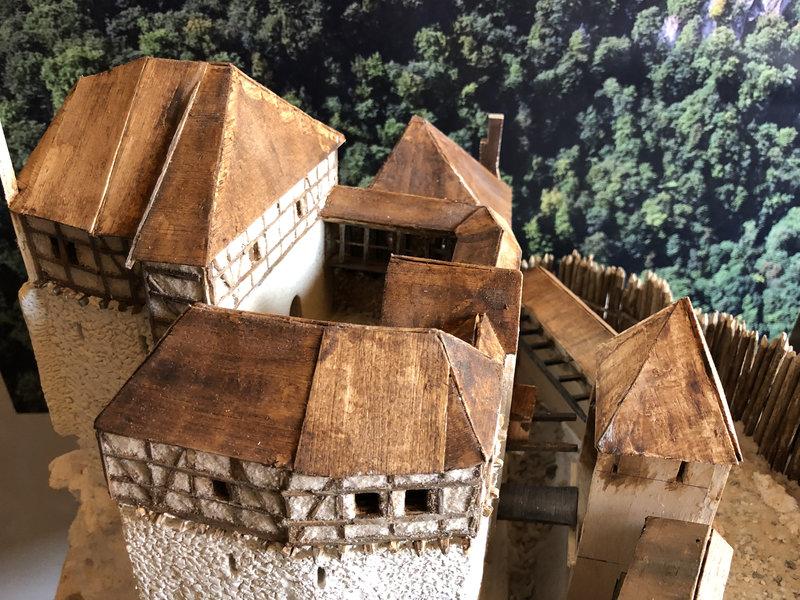 Burg Obergreifenstein - ca. 1:100 - Seite 3 41737463iz