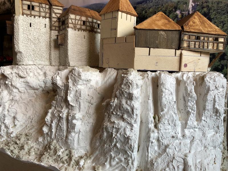 Burg Obergreifenstein - ca. 1:100 - Seite 3 41737464jd
