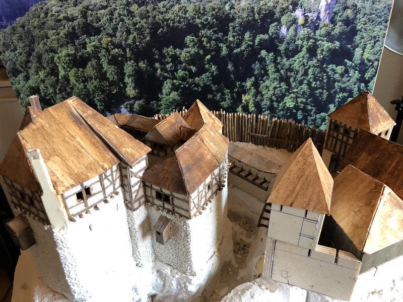 Burg Obergreifenstein - ca. 1:100 - Seite 3 41737465mn