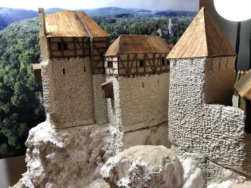 Burg Obergreifenstein - ca. 1:100 - Seite 3 41747675fv