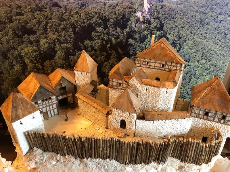Burg Obergreifenstein - ca. 1:100 - Seite 3 41763199gy