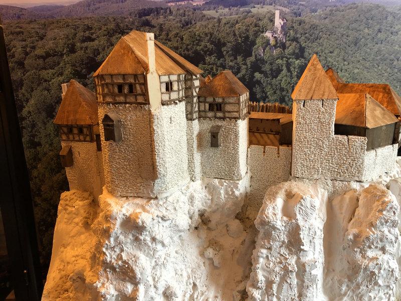 Burg Obergreifenstein - ca. 1:100 - Seite 3 41763202pi