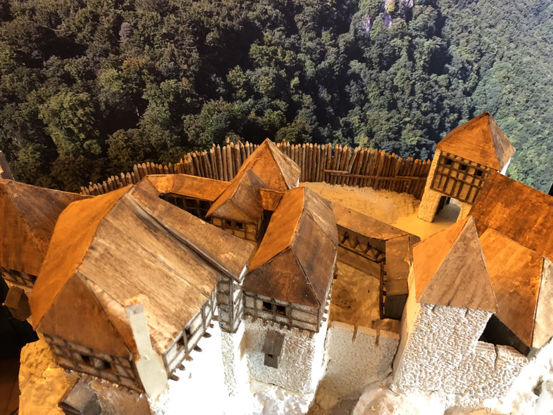 Burg Obergreifenstein - ca. 1:100 - Seite 3 41763203vr