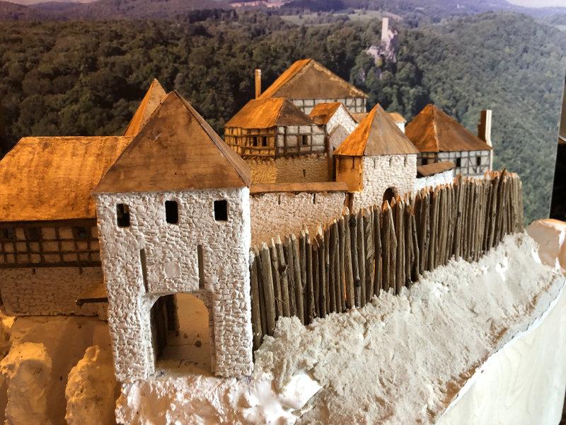 Burg Obergreifenstein - ca. 1:100 - Seite 3 41763204ep