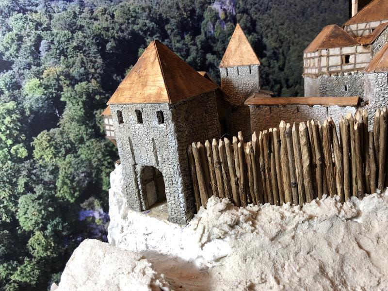 Burg Obergreifenstein - ca. 1:100 - Seite 4 41777824it
