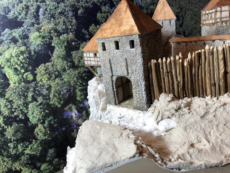 Burg Obergreifenstein - ca. 1:100 - Seite 4 41777826ff