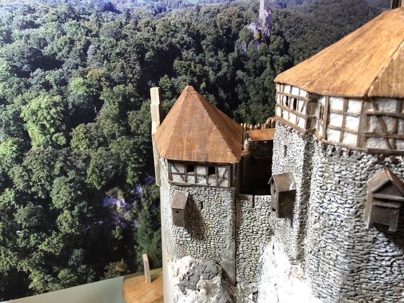 Burg Obergreifenstein - ca. 1:100 - Seite 4 41777829ro