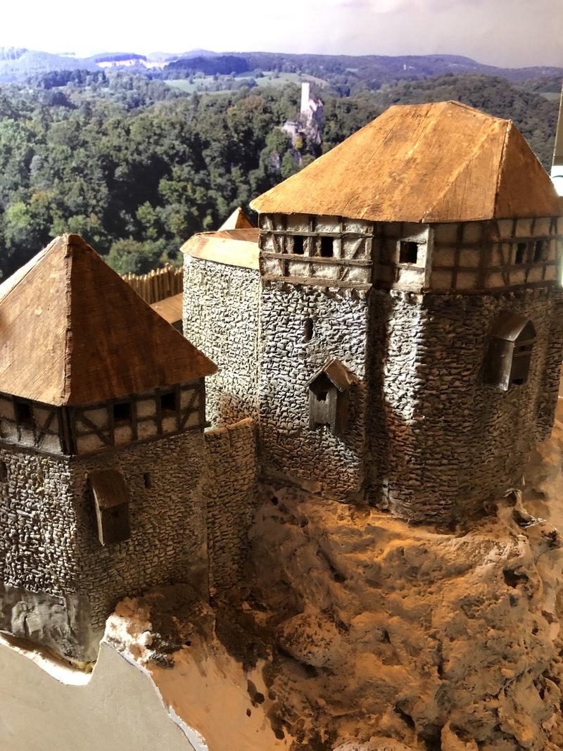 Burg Obergreifenstein - ca. 1:100 - Seite 4 41777837os