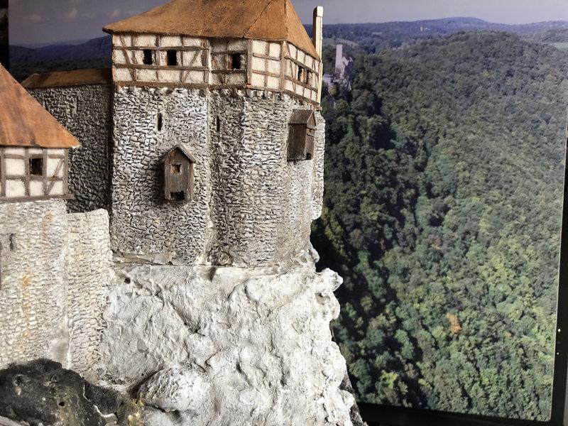 Burg Obergreifenstein - ca. 1:100 - Seite 4 41781915bn