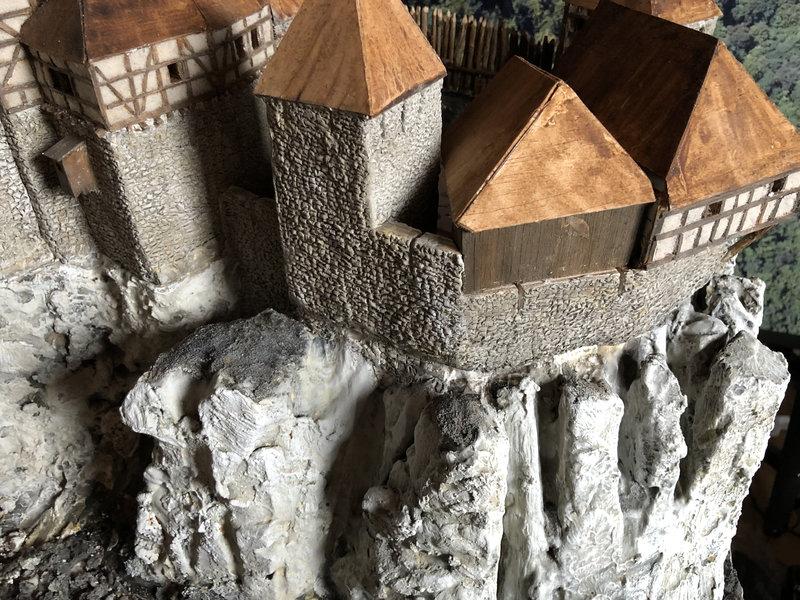 Burg Obergreifenstein - ca. 1:100 - Seite 4 41781920re