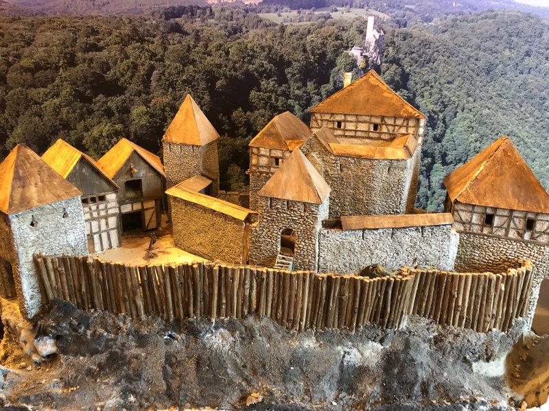 Burg Obergreifenstein - ca. 1:100 - Seite 4 41783264du