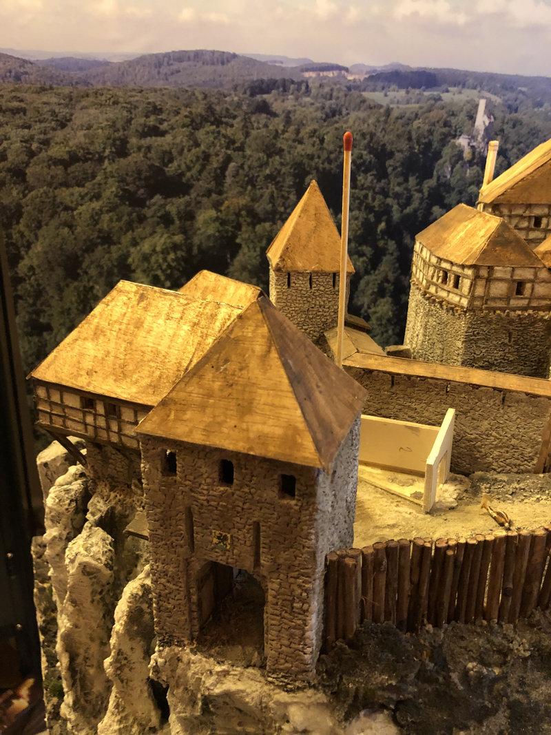 Burg Obergreifenstein - ca. 1:100 - Seite 4 41805408we