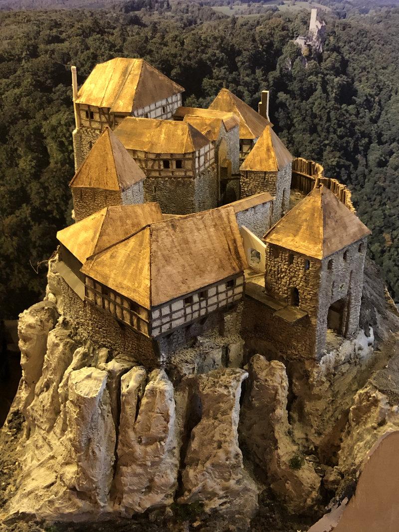 Burg Obergreifenstein - ca. 1:100 - Seite 4 41805415of