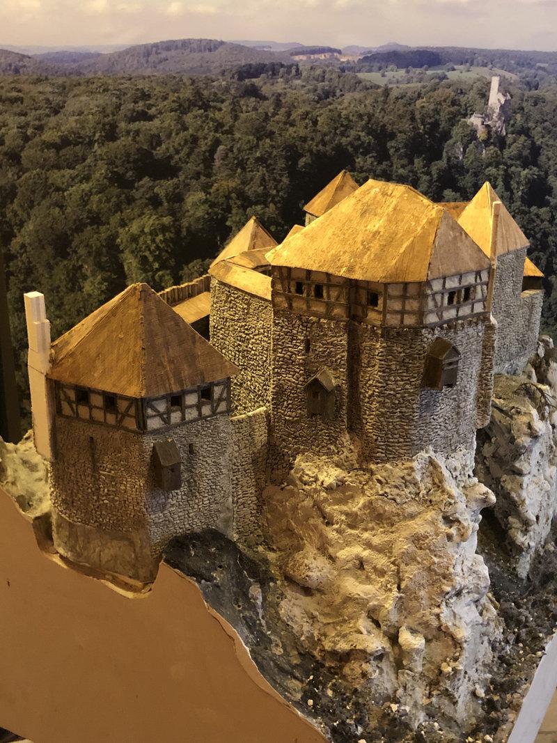 Burg Obergreifenstein - ca. 1:100 - Seite 4 41805417va