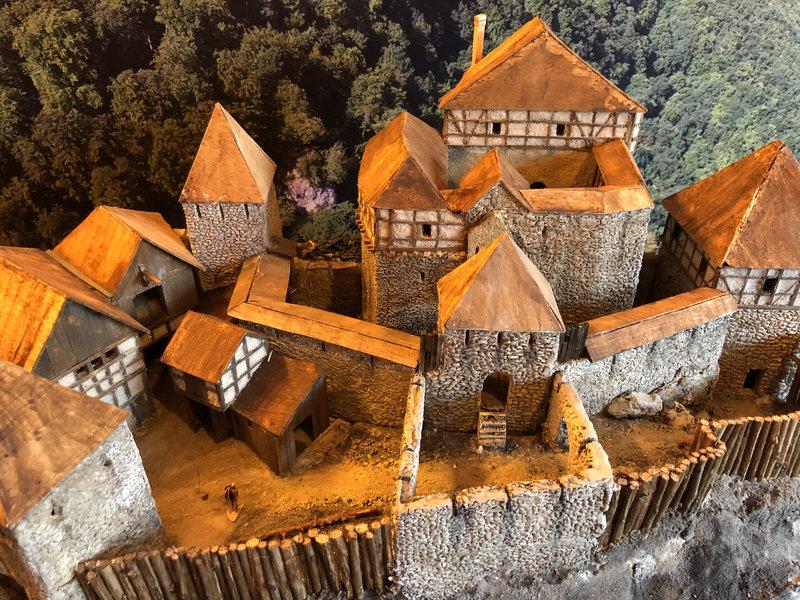 Burg Obergreifenstein - ca. 1:100 - Seite 4 41828915ed