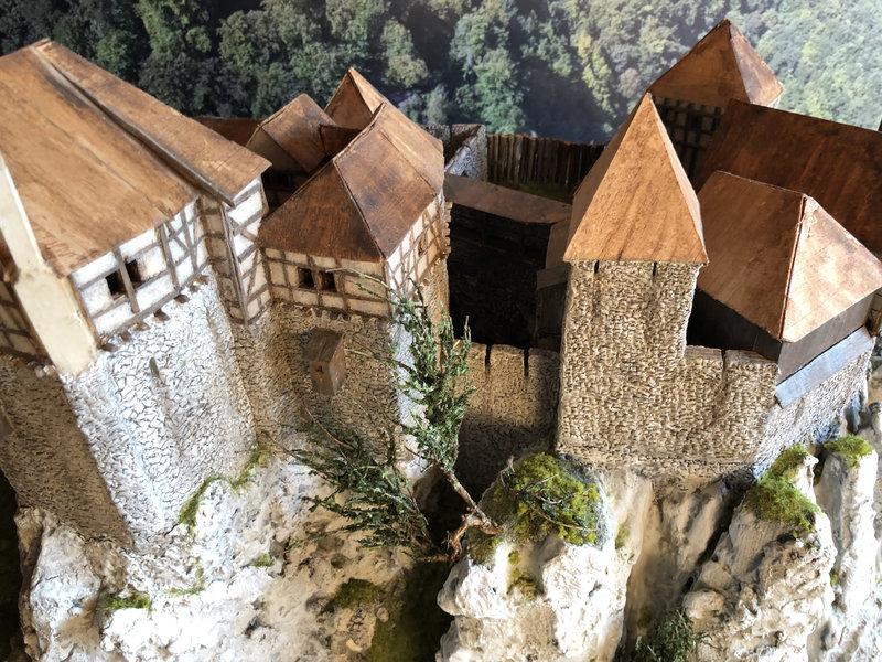 Burg Obergreifenstein - ca. 1:100 - Seite 4 41832620jr
