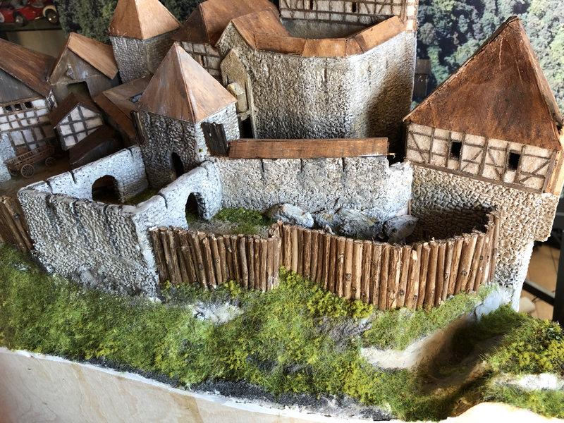 Burg Obergreifenstein - ca. 1:100 - Seite 4 41832629qz