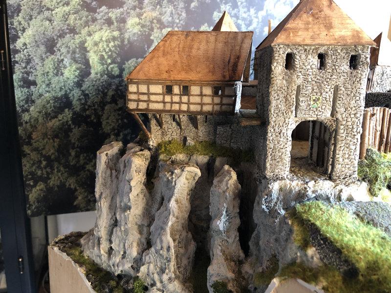 Burg Obergreifenstein - ca. 1:100 - Seite 4 41832633ci