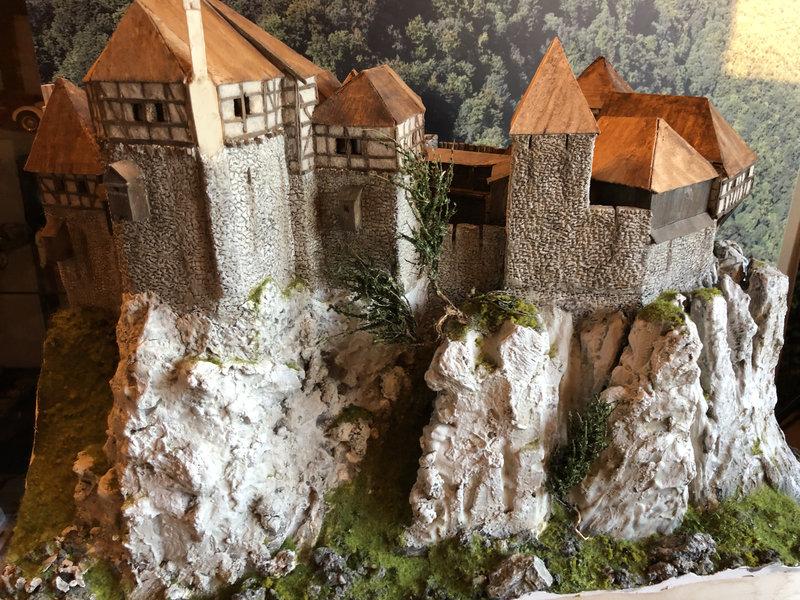 Burg Obergreifenstein - ca. 1:100 - Seite 4 41832639tf