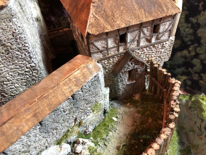 Burg Obergreifenstein - ca. 1:100 - Seite 4 41850139hr