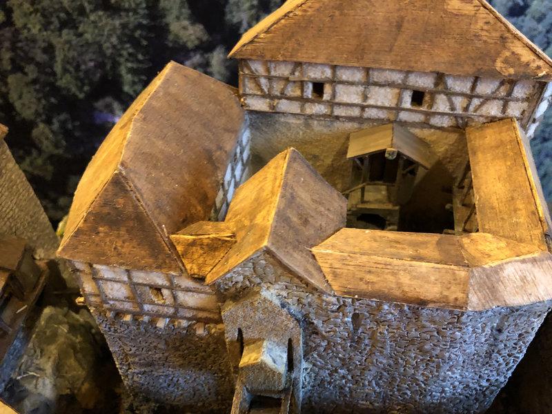 Burg Obergreifenstein - ca. 1:100 - Seite 4 41862139wx