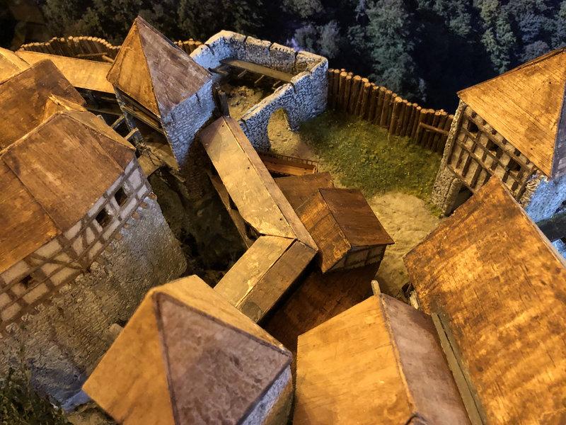 Burg Obergreifenstein - ca. 1:100 - Seite 4 41862150ku